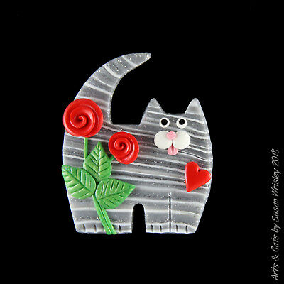 Medium Standing Silver Tabby Kitty Cat & Red Roses Valentine's Day Pin - SWris