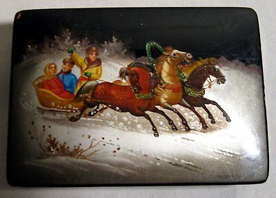 Vintage Russian Lacquer Box Hand Painted Artist Signed