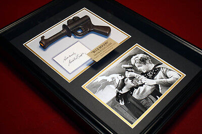Signed BUCK ROGERS Toy 1930's Toy LASER GUN in CASE, BUSTER CRABBE Autograph VHS