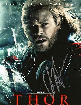 Autographed Chris Hemsworth 8 x 10 Photo Signed in silver sharpie