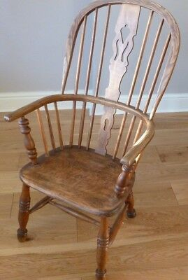 Antique Windsor Chair. 19th Century.