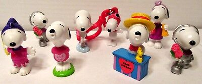SNOOPY Lot of 8 Whitman's Peanuts Valentines Day PVC Figurines Vintage
