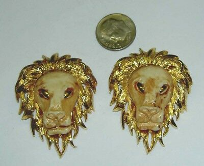 Pair of 2 Signed RAZZA Mid-Century Gold Tone Resin Lion Head Pin Brooch