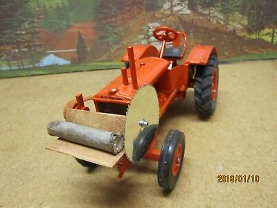 Allis Chalmers U with Customsaw rig 1/16 scale