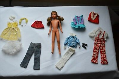 Vintage Brunette Twist N Turn  Skipper Doll - Small Lot Of Vintage Clothing