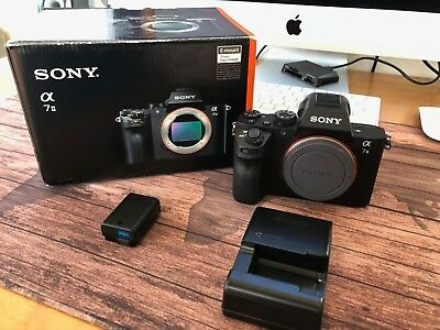 Sony Alpha a7 II Digital SLR Camera - Mint Condition inc./battery and charger