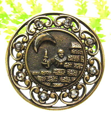 """Victorian Picture Button W/ Cut Steel  """" Scaramouche Waiting For Columbine"""" J132"""