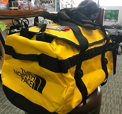 NEW The North Face Base Camp Duffel Bag Gym Camp 71 LTR w/Tags Medium