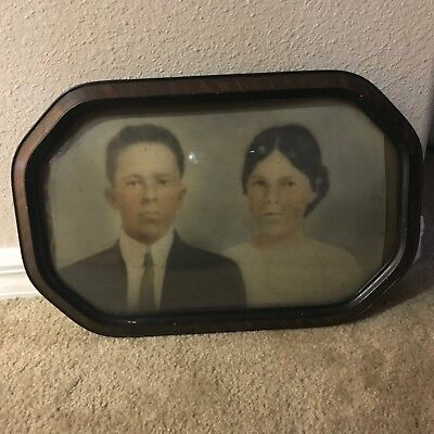 Vintage Convex Bubble Glass Oval Wood Picture Frame With Young Couple
