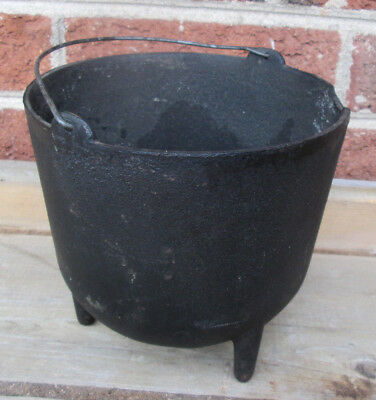 Rare Vintage Small Cast Iron 5 3/4 x 4 1/2  Kettle Bean Pot 3 Leg Rim Chipped