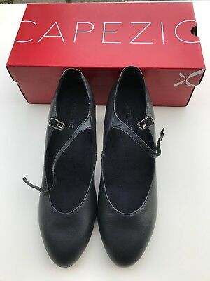 """Capezio Character Shoes 2""""FOOTLIGHT Shoes LEATHER Size 9M - Excellent - With BOX"""