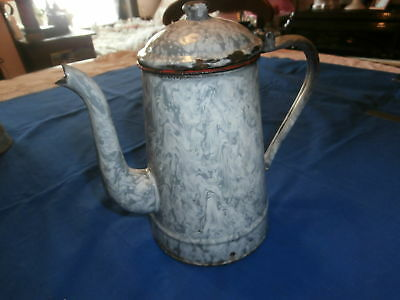Cafetiere  Ancienne  Emaillee