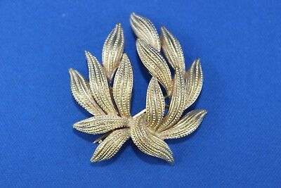 Lovely Vintage Trifari Brushed Gold Tone Pin/brooch