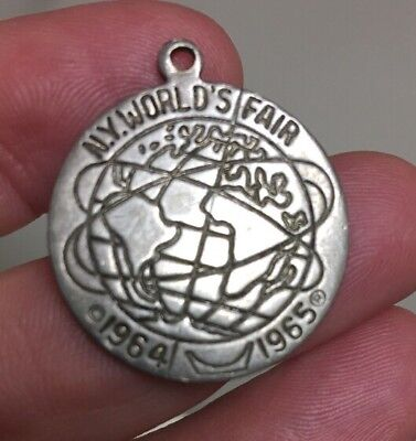 1964/1965 New York World's Fair Official Souvenir Medal Necklace