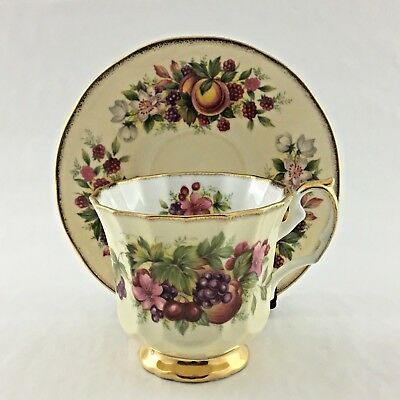 Staffordshire Elizabethan Footed Teacup And Saucer Hand Decorated Gold Trim Eng