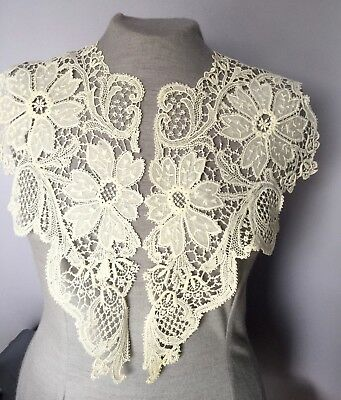 Grand embroidered and Schiffli lace collar BRIDE COSTUME COLLECT