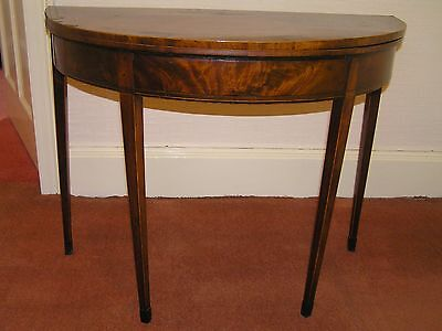 1780s MAHOGANY DEMI LUNE TABLE WITH INLAID BOXWOOD STRINGING