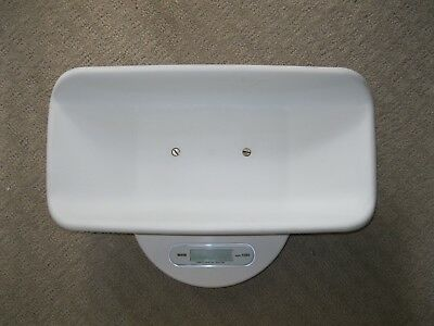 Tanita Model 1580 Pediatric Baby Scale with Carrying Case