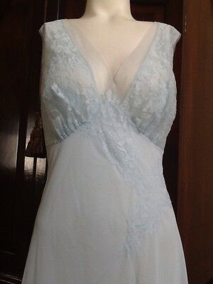 Womens Vintage 70's Long VANITY FAIR NIGHTGOWN Size L 38 Baby Blue Lace