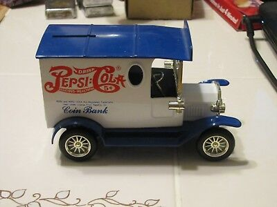 Pepsi Cola Coin Bank Golden Class Without Key White/Blue Truck