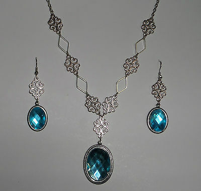 Lacy Filigree Victorian Style Turquoise Oval Crystal Dark Silver Pl Necklace Set
