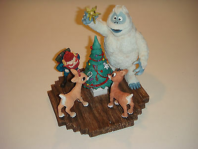 Enesco Rudolph Island of Misfit Toys, Bumble's Shining Moment