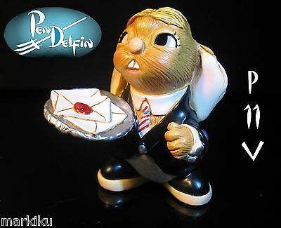 NEW Pendelfin Wigs The Butler figurine rabbit Bunny w/ Box