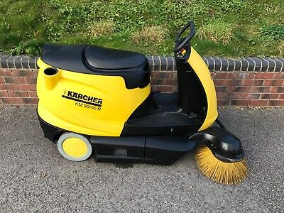 Karcher Km90/45R Ride On Industrial Sweeper Garage Forecourt Car Park Warehouse