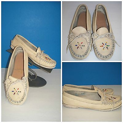 Vintage Quoddy Women's Native Beaded Cream Leather Handmade Moccasins sz 7