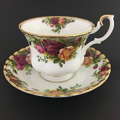 Royal Albert Old Country Rose Teacup And Saucer Bone China England 1962 Gold Tr