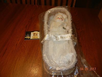 Royal Doulton  Nisbet Prince William Baby Doll First Born Dn20 New In Bag 1982