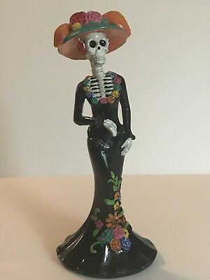 Day of the Dead. Catrina doll Black Dress Plastic 10 inches. (Dia de Muertos)