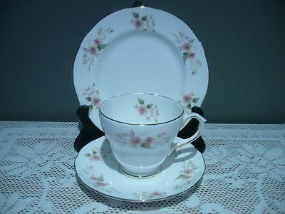 Duchess Bone China Vintage Floral Trio - Glen - High Tea - Cup Saucer Plate Vgc