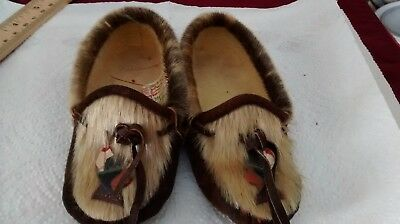 vintage moccasins  A.M. Sioui Huron Quebec  Native American Indian