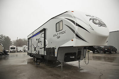 Closeout Sale on a 2017 Wolf Pack 285PACK13 5th Wheel Toy Hauler w/ Rear Garage