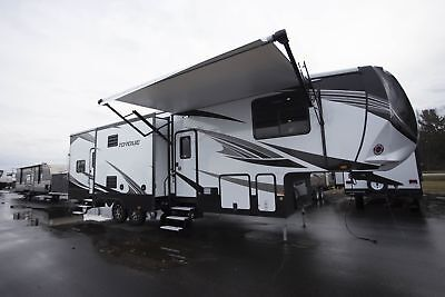 2018 Torque TQ325 5th Wheel, Toy Hauler, 10 FT Garage, King Bed Get It Now