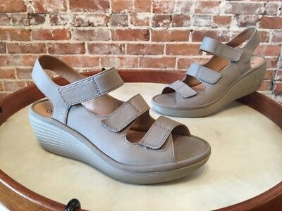 c3b0598999e CLARKS SAGE NUBUCK Leather Reedly Juno Triple Strap Wedge Sandals ...