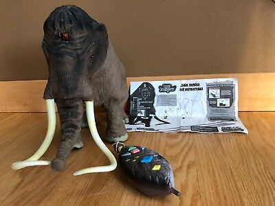 Reign of the Dinosaurs 1999 WOOLLY MAMMOTH by Wow Wee w/Infrared remote control