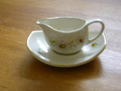 Kernewek Pottery Sauce Boat And Tray Goonhaven Cornwall Daisy Floral Decoration