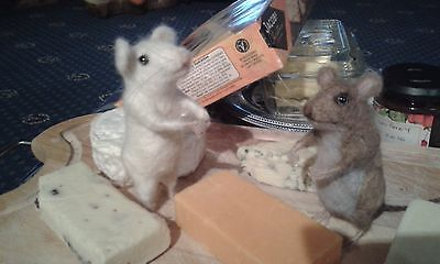 Needle felting kit mouse