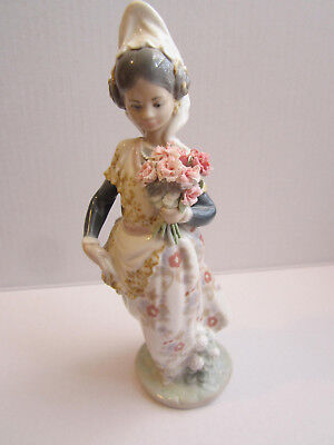 Lladro Retired Valencian Girl with Flowers, #1304, No Box.