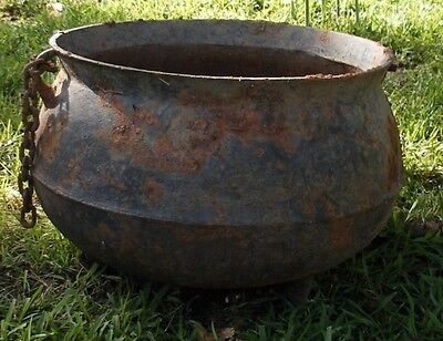Antique Large Hand Forged Cast Iron Cauldron Pot Kettle  3 Pointed Legs PICKUP
