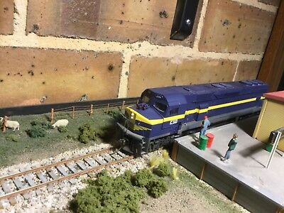 Victorian Railways C class diesel C502 in VR blue and gold with DCC in HO