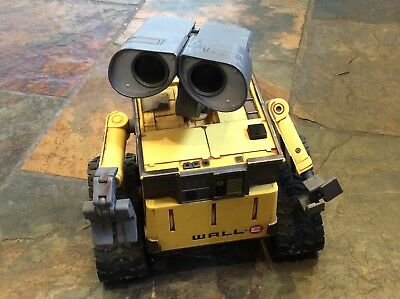 Large Wall.E Disney Pixar Toy. Moves. Sounds. Robot. Thinkway Thinking Toys.