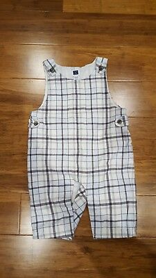 Janie and Jack Size 0-3 Months white, light blue and grey plaid pattern