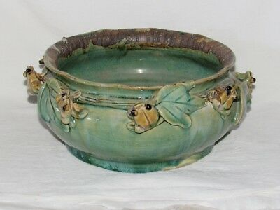 Green Ceramic Bowl with Frogs