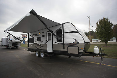 Autumn Ridge Outfitter 21Fb Travel Trailer Sleeps 4 Queen Bed And Dinette