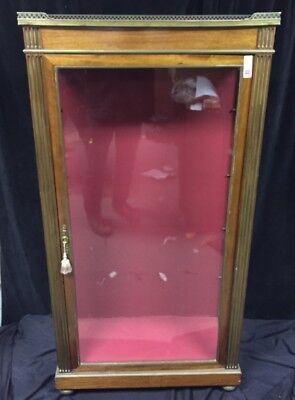 Antique/Vintage display cabinet w/ single door Lot 177