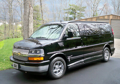 2009 Chevrolet Express  2009 Chevrolet Express AWD Conversion Van with 6 captain's massage chairs
