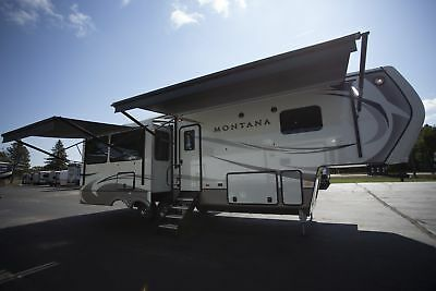 Montana 3120Rl Rear Living 5Th Wheel Four Seasons Living Outside Entertainment